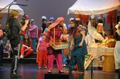 «Wenn Kinder die Macht übernehmen« - Artikel zu unserem Musical «Samirs Geschichte«